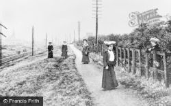 Lenzie, The Lady's Mile c.1900