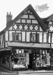A Draper's Shop 1936, Leominster