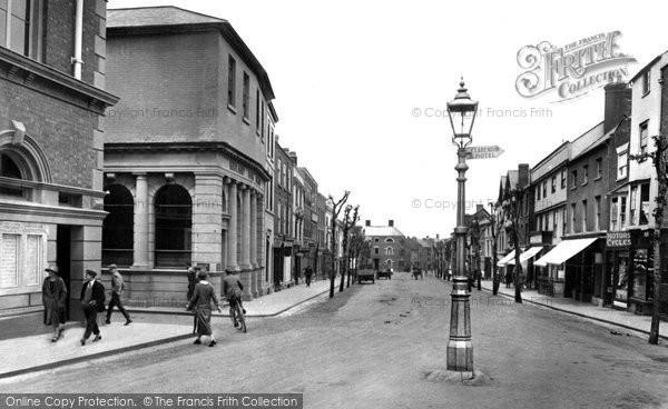 Photo of Leominster, Broad Street 1925
