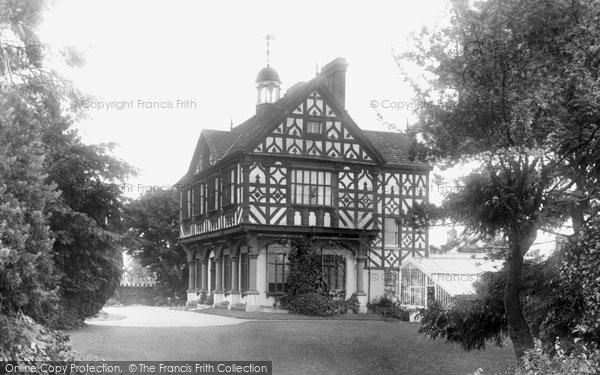 Photo of Leominster, Grange Court House 1904