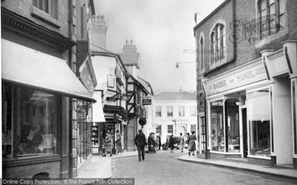 Photo of Leominster, Victoria Street c.1950