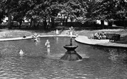 Letchworth, the Paddling Pool, Howard Park c1950