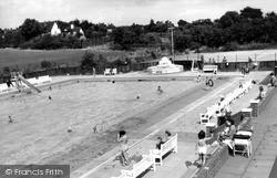 Letchworth, The Swimming Pool c.1950