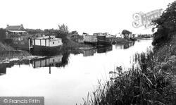 Houseboats c.1955, Leven