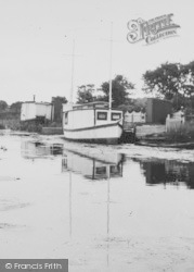 The Canal c.1955, Leven