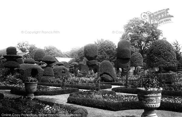 Levens, the Hall Gardens 1891.  (Neg. 28629)  © Copyright The Francis Frith Collection 2008. http://www.francisfrith.com