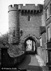 Lewes, Barbican Tower c.1955