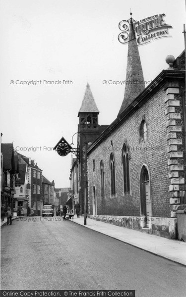 Photo of Lewes, St Michael's Church c.1960