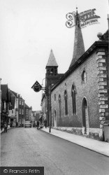 Lewes, St Michael's Church c.1960