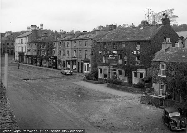 Photo of Leyburn, Golden Lion Hotel, Market Place c.1960