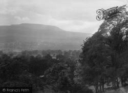 Leyburn, Penhill 1923