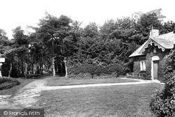 Shawl, Queen's Gap 1906, Leyburn