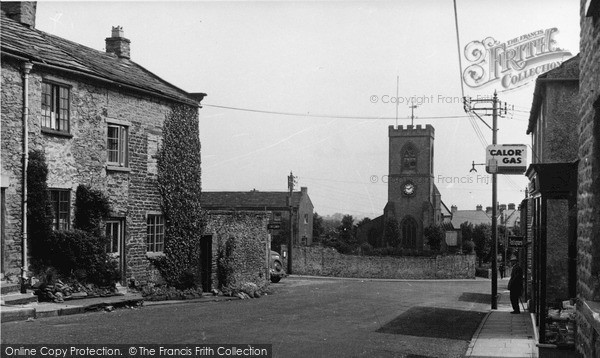 Photo of Leyburn, St Matthew's Church From Railway Street c.1954