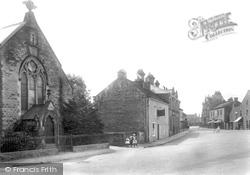 The Square 1911, Leyburn