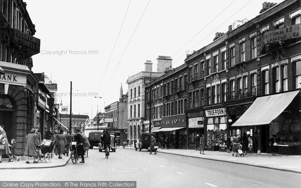 Photo of Leytonstone, High Road c1950, ref. L374001