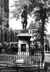 Lichfield, Boswell's Statue c.1950
