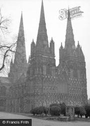 Lichfield, Cathedral 1946