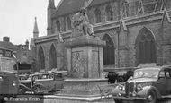 Lichfield, Dr Johnsons Statue c1950