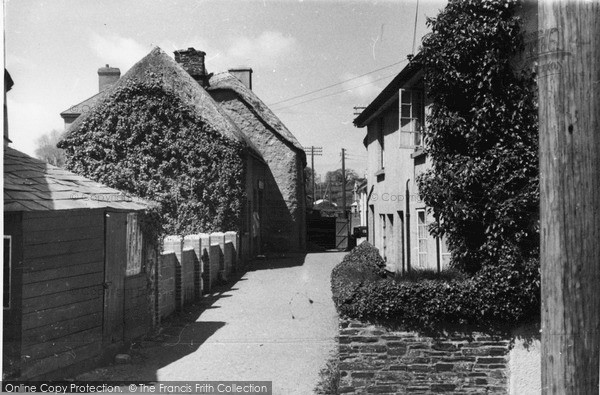 Photo of Lifton, Broad Street c.1950