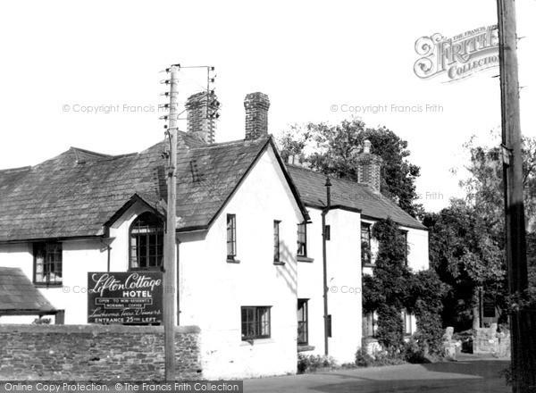 Photo of Lifton, Cottage Hotel c.1950