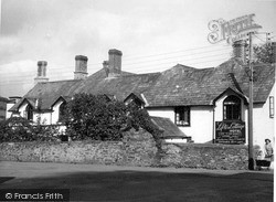 Lifton, Cottage Hotel c.1950