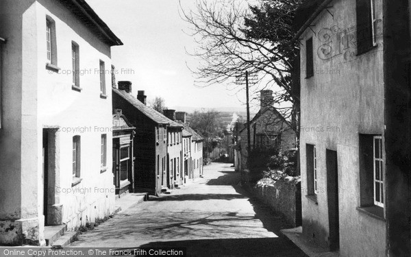 Photo of Lifton, Fore Street c.1950