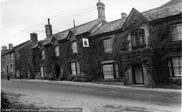 Photo of Lifton, The Arundell Arms c.1955