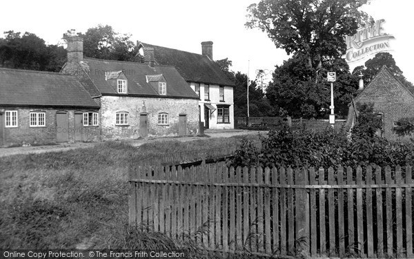 Photo of Lilley, The Lilley Arms c.1955