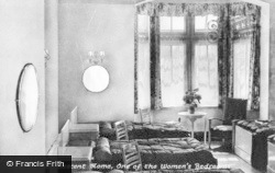 Limpsfield, Caxton Convalescent Home, One Of The Women's Bedrooms c.1950