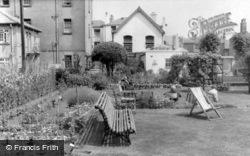 Limpsfield, Caxton Home Gardens c.1960