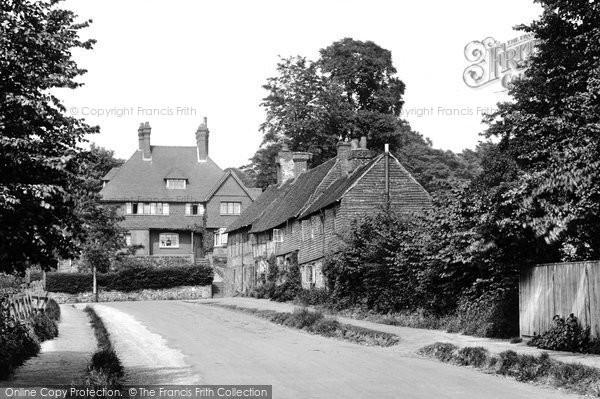 Photo of Limpsfield, De Tillens Corner 1924