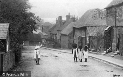Girls In The Village 1906, Limpsfield