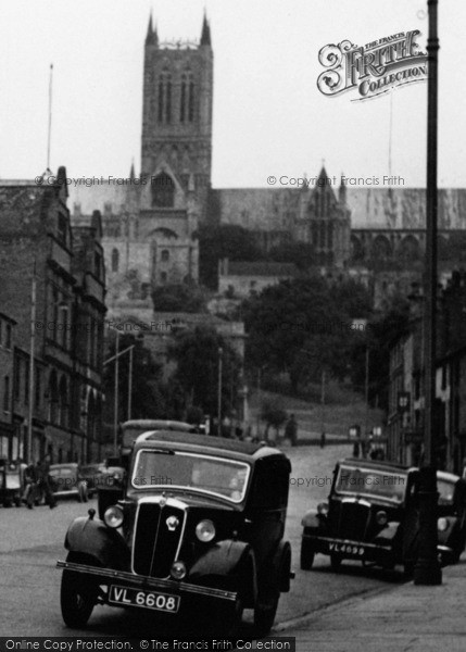 Photo of Lincoln, Cars On Broadgate 1949