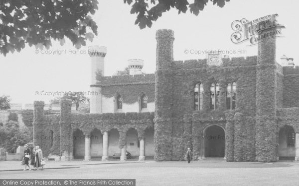Photo of Lincoln, Castle c.1960