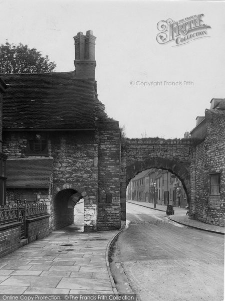 Photo of Lincoln, Newport Arch 1923