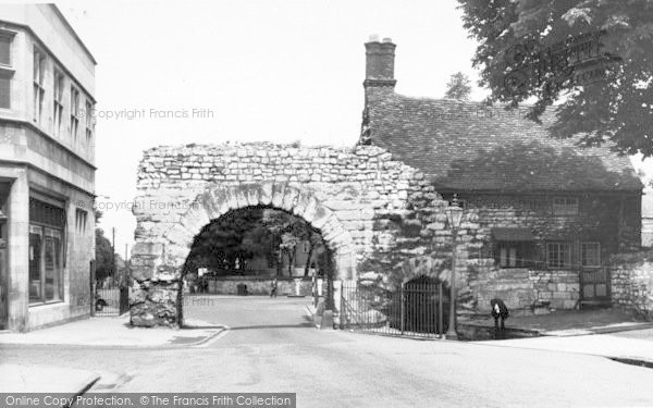 Photo of Lincoln, Newport Arch c.1960
