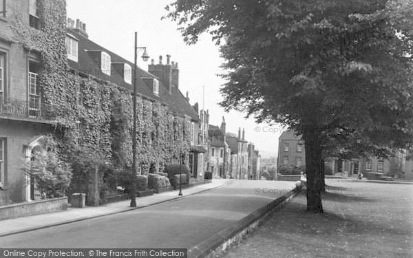 Photo of Lincoln, Pottergate From Cathedral Green c.1950