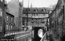 The Glory Hole 1910, Lincoln