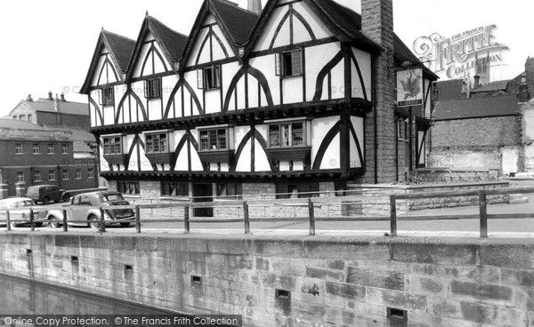 Photo of Lincoln, The Green Dragon Hotel c.1955