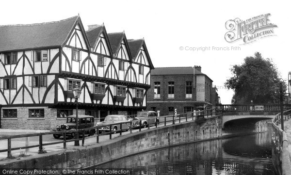 Lincoln, the Green Dragon Hotel c1960