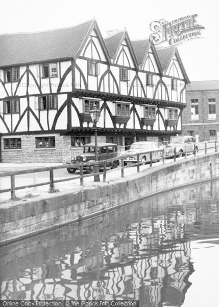 Photo of Lincoln, The Green Dragon Hotel, Waterside South c.1960