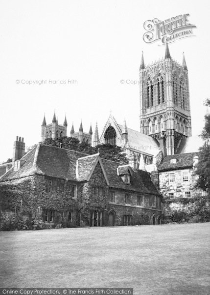 Photo of Lincoln, Vicars' Court c.1965