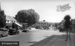 Lindfield, High Street And Pond c.1960