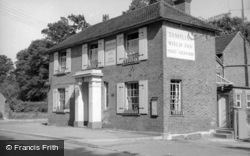 Lindfield, The Witch Inn c.1960