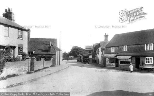 Photo of Lingfield, High Street 1906