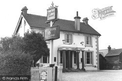 The Lingfield Hotel 1951, Lingfield