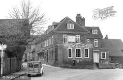 The Old Star 1951, Lingfield