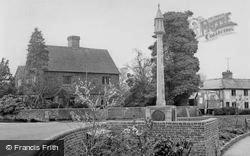 The War Memorial 1951, Lingfield