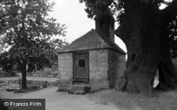 Lingfield, Ye Village Cage 1958
