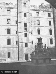 Palace Courtyard 1949, Linlithgow